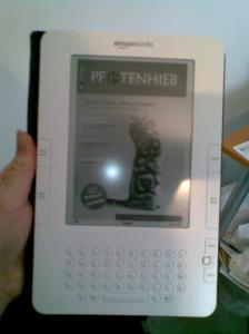 Pfotenhieb auf dem Amazon Kindle