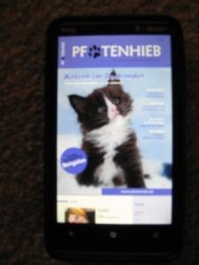 Pfotenhieb auf dem Windows-Phone 7. Das Endergebnis ist sehr viel besser als in diesem Foto dargestellt...